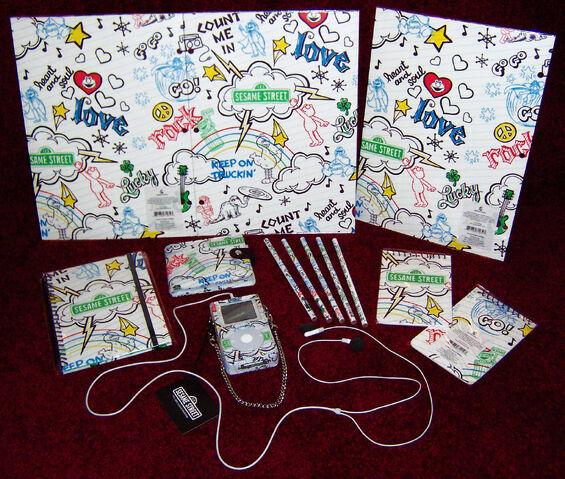 File:HelloKittyStore-Sesame-BackToSchoolStuff-2006.jpg