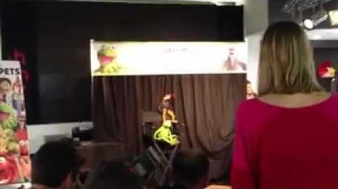 Kermit the Frog and Pepe the King Prawn at HMV Oxford Circus 13th June 2012