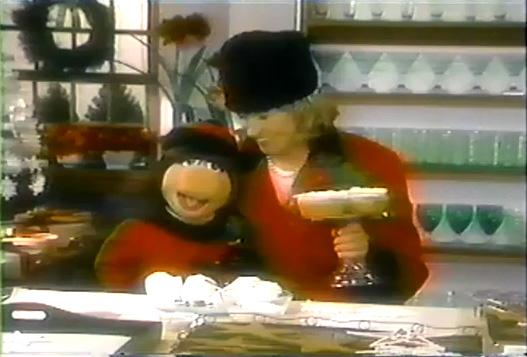 File:Martha&MissPiggy-02-(1996).jpg