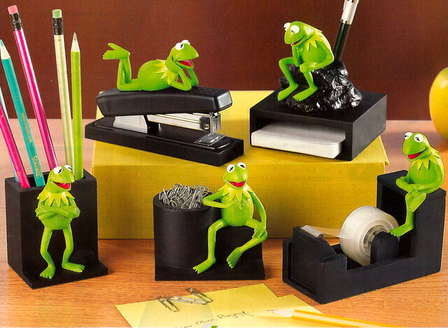 File:00 disney desk set 1.jpg