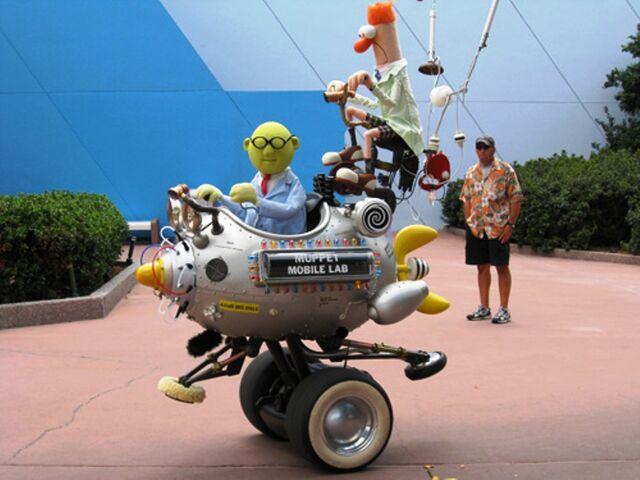 File:MuppetMobileLabs-Epcot2007.jpg