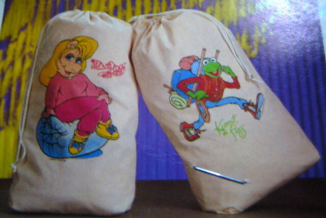 File:Innovo 1989 muppet laundry utility bags 2.jpg