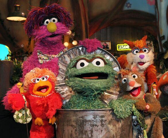 File:Oscar the Grouch at Sesame Tree.JPG