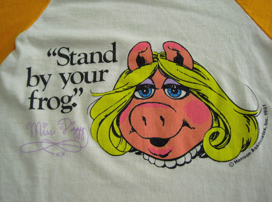 File:Stand by your frog shirt 1981 a.jpg