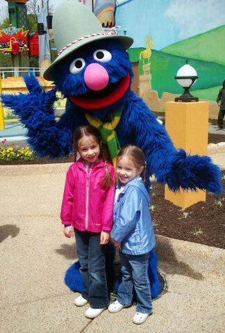 File:Grover-Walk-Around-2009.jpg