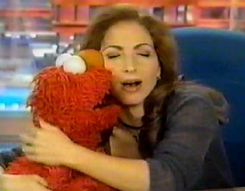 File:Kiss Elmo Gloria Estefan.jpg