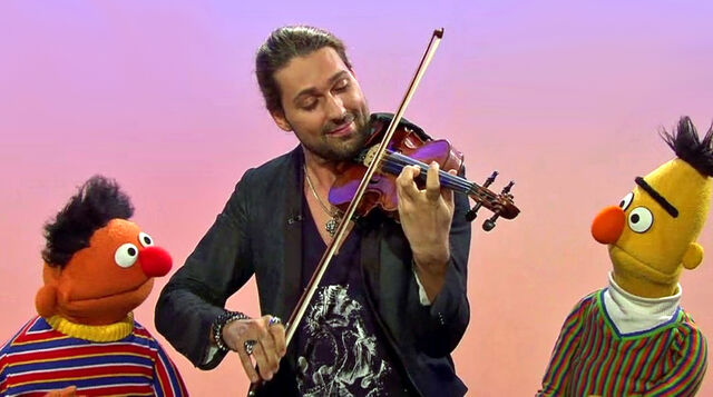 File:Sesamstrasse-Ernie&BertSongs-DavidGarrett-Stradivarius-(2013-11-09).jpg