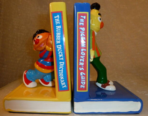 File:Enesco 1983 ernie bert bookends 1.jpg