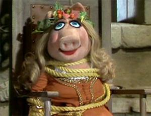 File:Piggy-MaidMarion.jpg