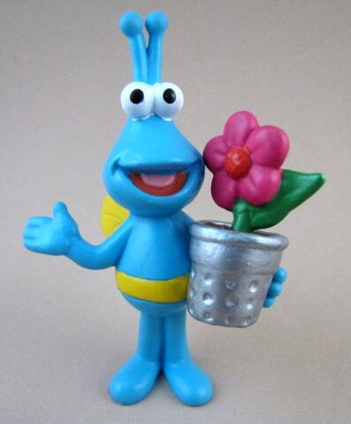 File:ApplauseTwiddlebugBlueFlowerpot.jpg