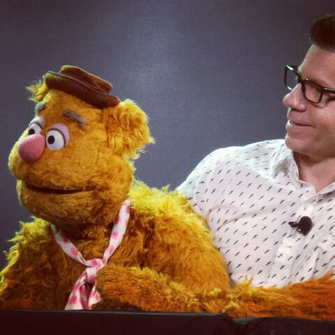 File:D23 2015 Eric Jacobson Fozzie.jpg