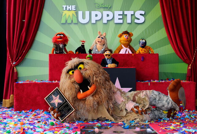 File:TheHollywoodWalkOfFame-TheMuppets-(2012-03-20)02.jpg