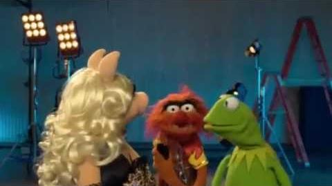 "Disney's ""The Muppets"" - Texting Promo"