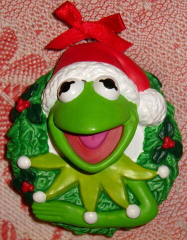 File:Kermit wreath christmas ornament.jpg