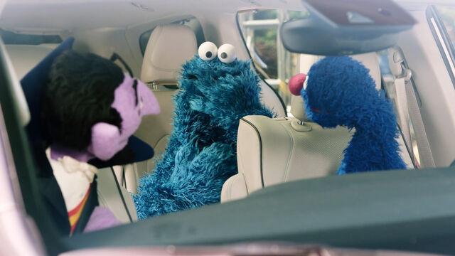 File:Cookie eats keyless Chrysler remote.jpg