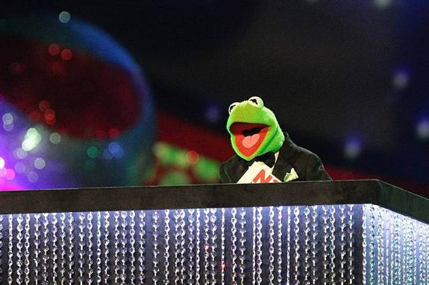 File:Kermit+the+Frog+on+stage+during+the+2012+NTA+Awards.jpg