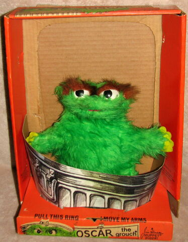 File:Topper educational toys 1971 oscar puppet with box 1.jpg