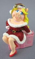 Disney store 2005 christmas ornament storybook set