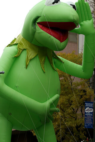 File:Kermitubsparade.jpg