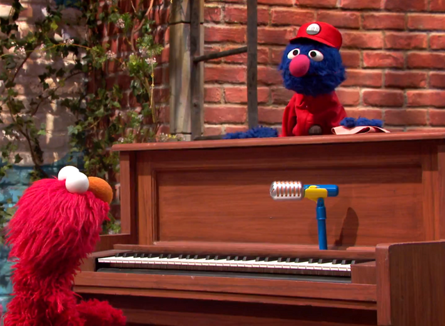 File:Grover-PainoMover.png
