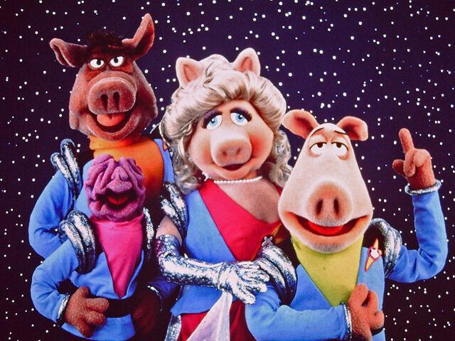 File:Pigs in Space Deep Dish Nine.jpg