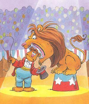 Liontamerfozzie.JPGHornercorner