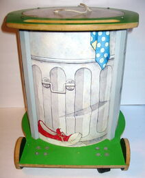 American toy 1982 chest oscar trash can 5
