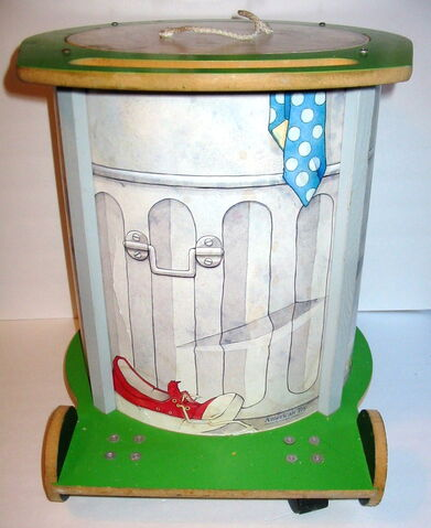 File:American toy 1982 chest oscar trash can 5.jpg