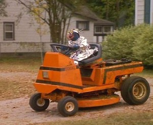 File:Gonzoslawnmower.jpg