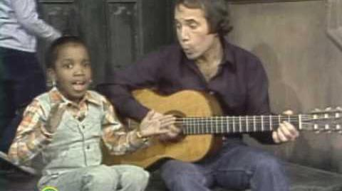 Sesame Street Paul Simon Sings Me & Julio