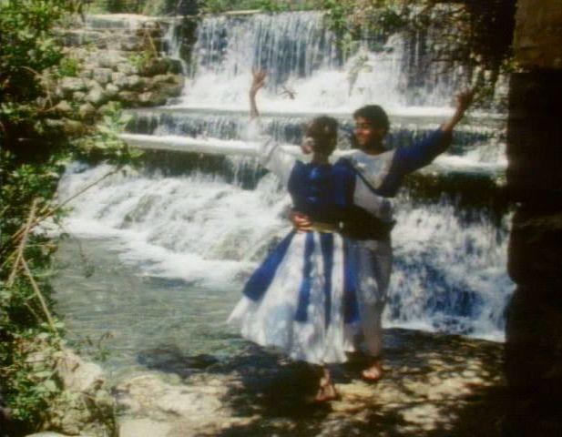 File:Kidssing-dancewater.jpg