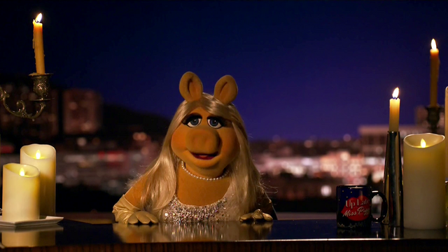 File:TheMuppets-S01E07-PiggyCandles02.png