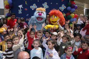 Hikayat Simsim Jordan walkarounds with kids