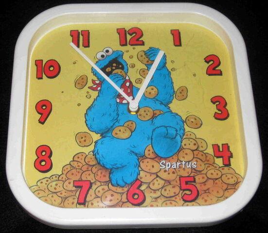 File:Spartus cookie monster alarm clock.jpg
