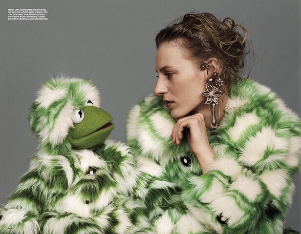 File:Love magazine Kermit and Julia.jpg