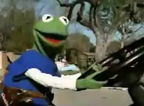 File:Kermit driving Extreme Makeover.jpg