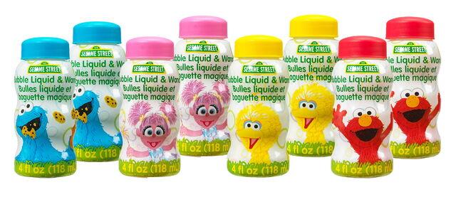 File:Little kids inc 2016 bubble liquid and wand.jpg