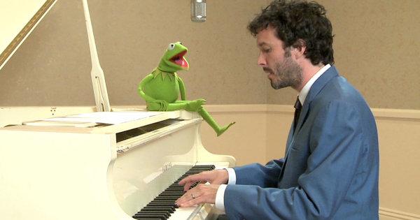 File:TheMuppets-(2011)-Kermit&BretMcKenzie02.jpg