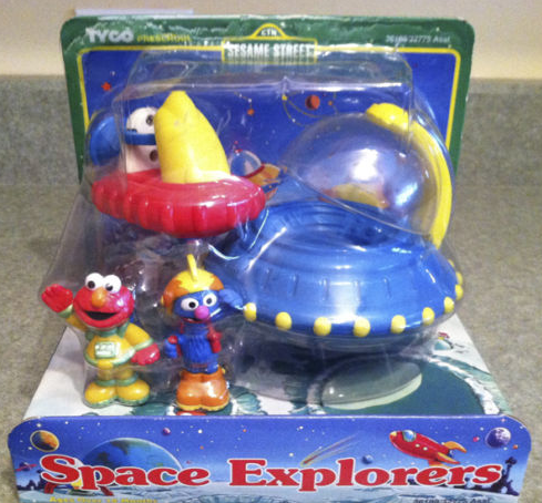 File:Elmo and Grover Front.PNG