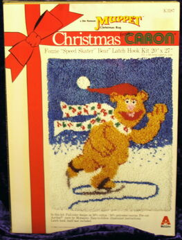 Caron latch hook kit christmas fozzie