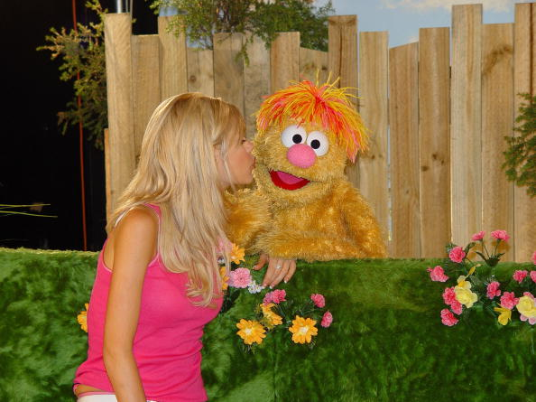 File:February 2004 Sophie Monk and Ollie.jpg