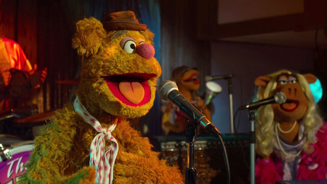 File:TheMuppets-TheMoopets-TheRainbowConnection-(2012).jpg