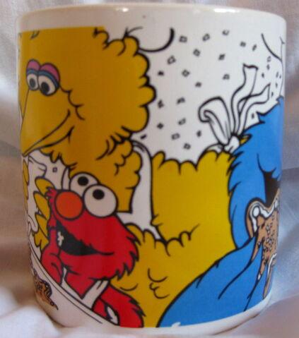 File:Applause 1997 christmas mug 2.jpg