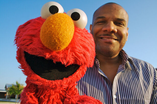 File:KevinClash-Elmo-closeup.jpg