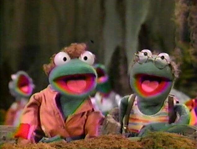 File:Paradise Swamp frogs 05.jpg