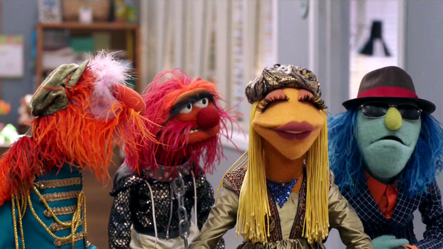 File:TheMuppets-S01E06-EM-Outfits.png