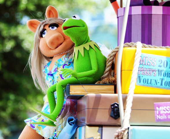File:Disney'sHonoraryVoluntEarsCavalcade-KermitCollar.jpg