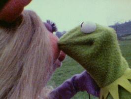Kiss Piggy Kermit tmm test