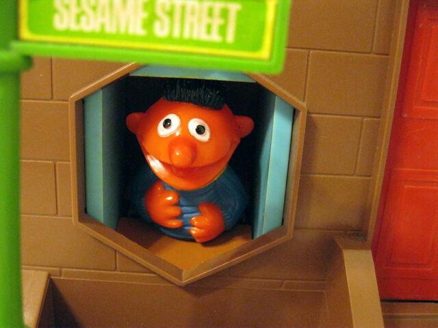 File:Questor child guidance 1974 push button sesame street 3.jpg