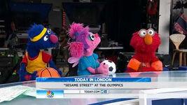 Today-GroverAbbyElmo-(2012-08-09)